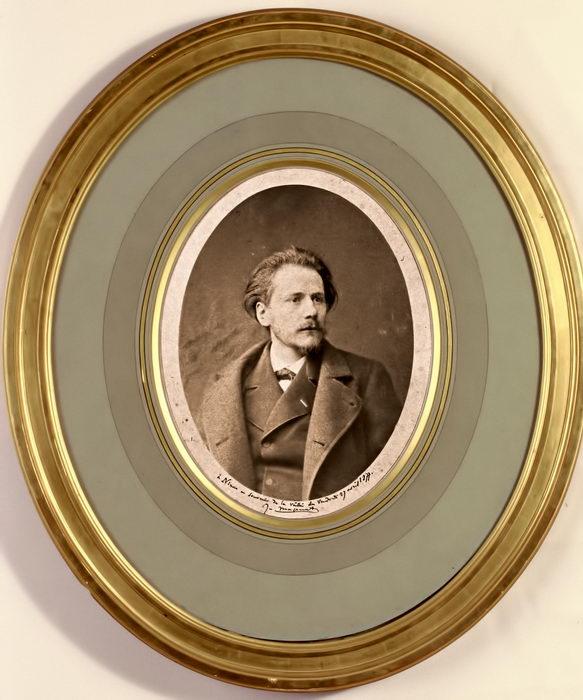 Massenet en 1877 (création du Roi de Lahore à l'Opéra de Paris)