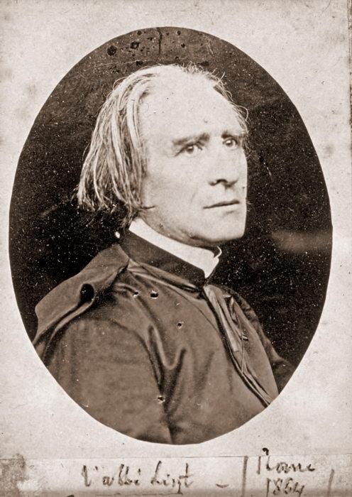 Franz Liszt ,photo donnée par Massenet et annotée de sa main. Rome (1864)