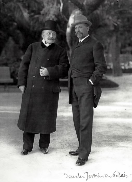 Massenet et le Prince Albert 1er de Monaco dans les jardins du palais