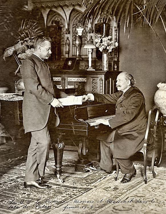 Massenet et le Prince Albert 1er de Monaco dans un salon du palais