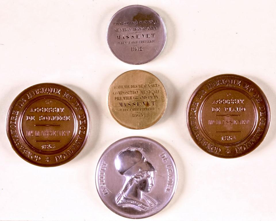 Médailles des prix décernés à Massenet, médaille de 1er Grand Prix de Rome Au centre